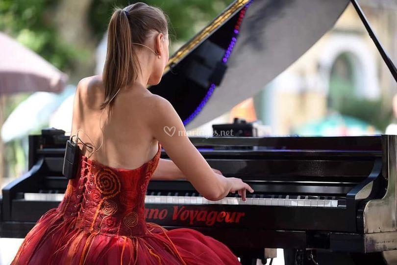 """Caroline Faget """"Piano Voyageur"""