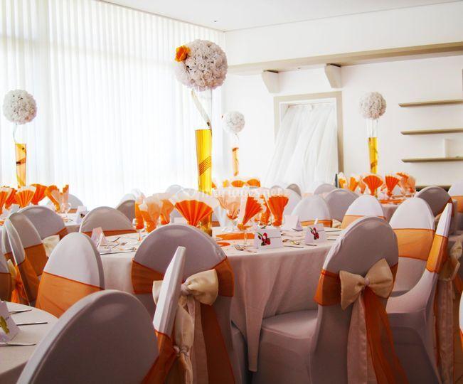 Décoration orange et blanc