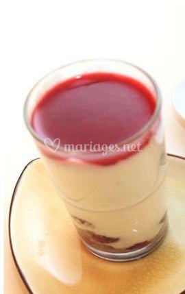 Tarte aux framboises et tiramisu aux fruits rouges