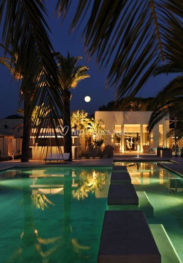 Piscine de nuit - Hôtel Sezz