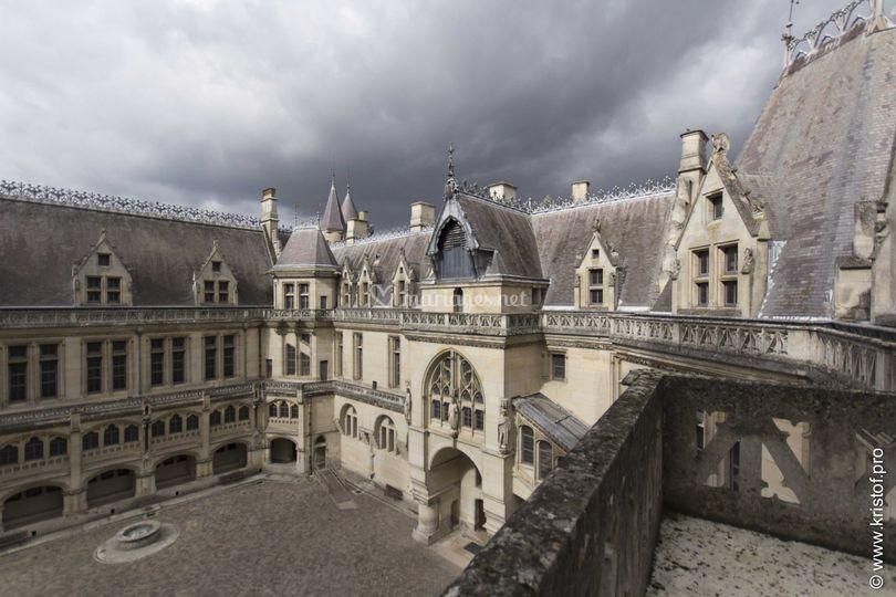 cour intrieure sur chteau de pierrefonds - Chateau De Pierrefonds Mariage