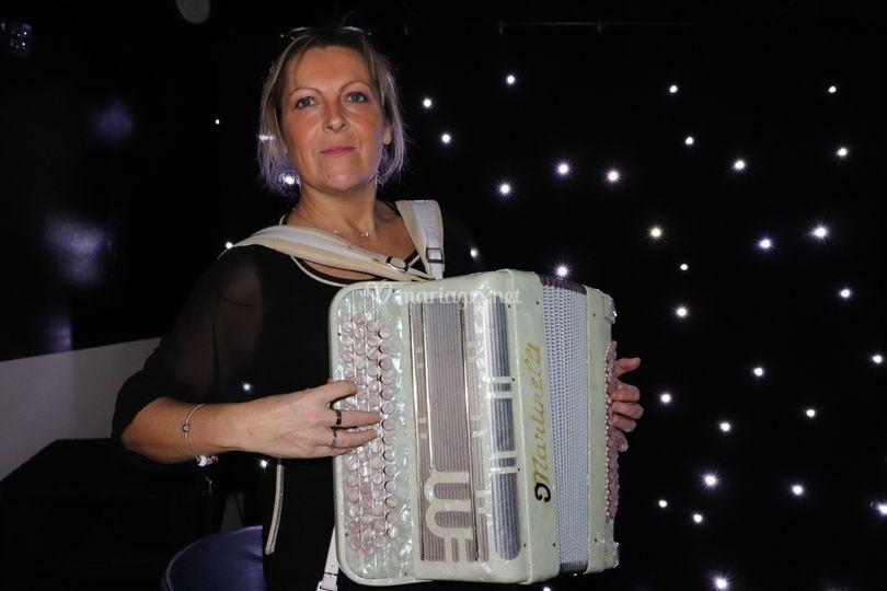 Isabelle accordéon folk