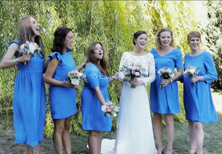 La mariée est ses demoiselles