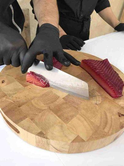 Découpe de saumon betterave