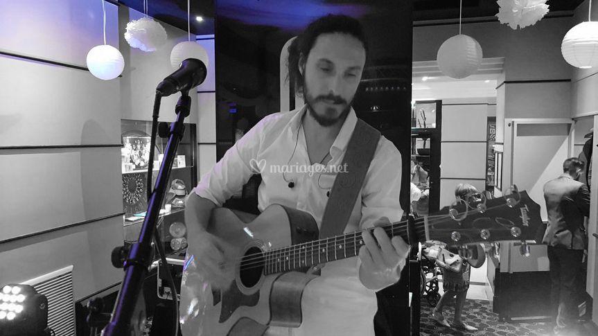 Romain guitariste