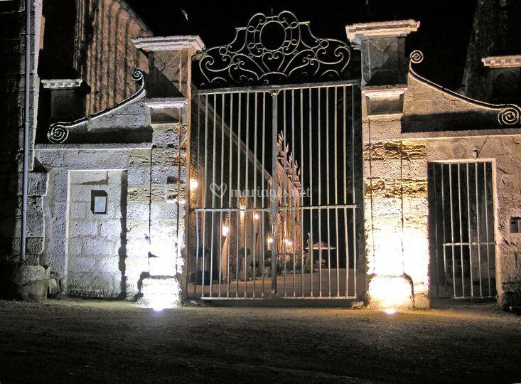 Portail-chateau de Maumont