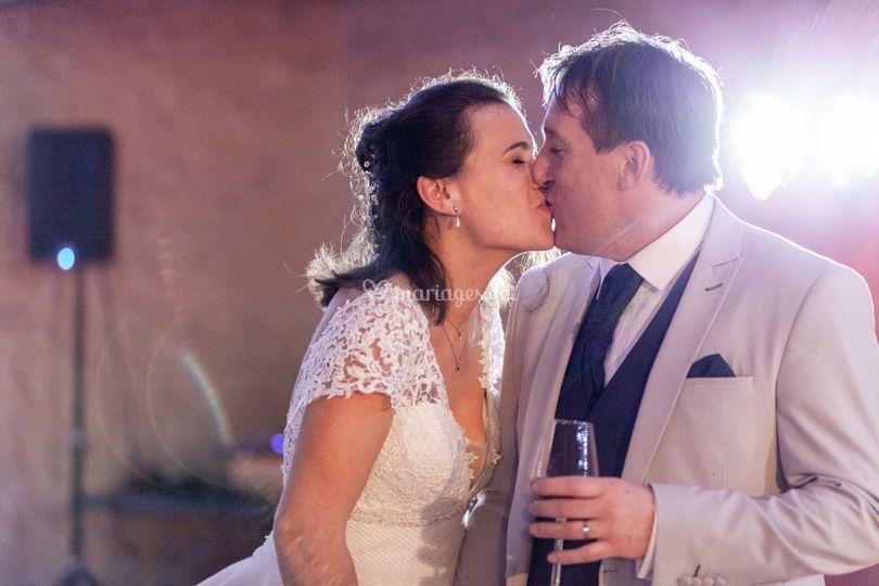 Bisou des mariés