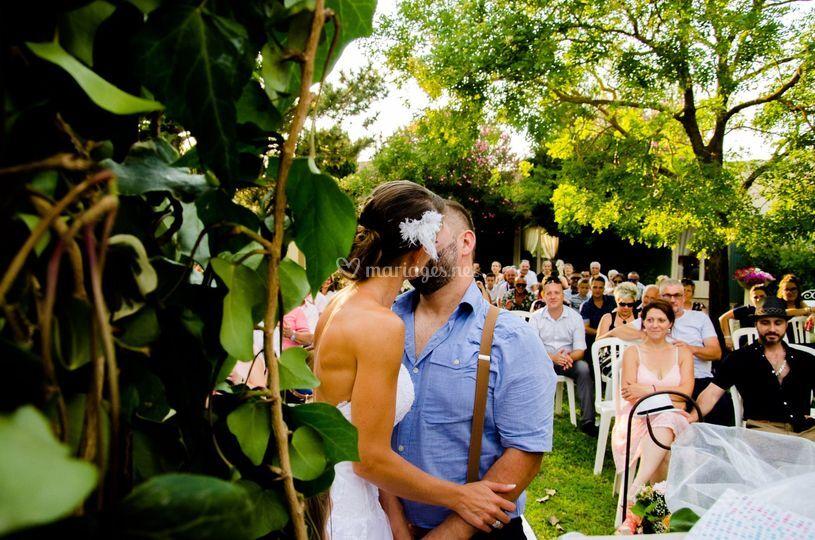 Embrassade des mariés