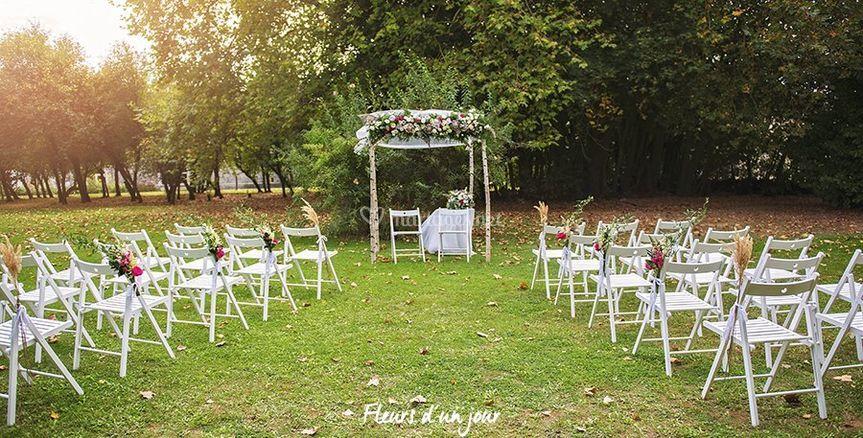 Chaise bois pour cérémonie
