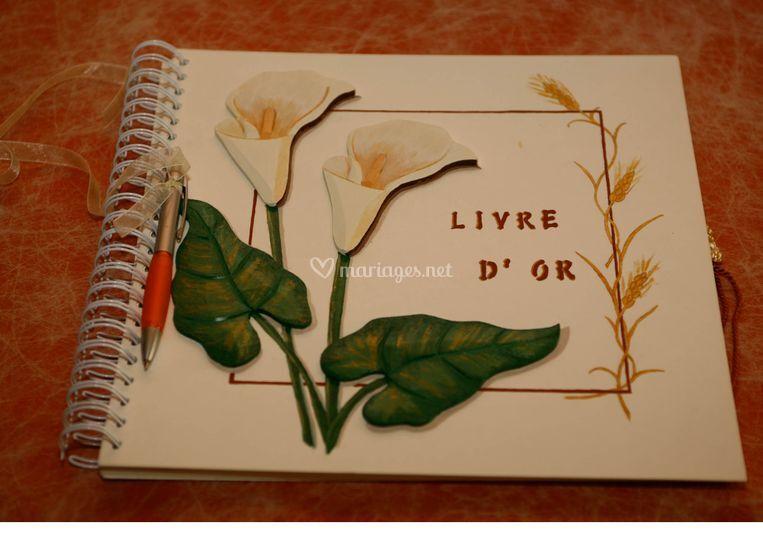Livre d'or personnalisé avec fleurs en bois
