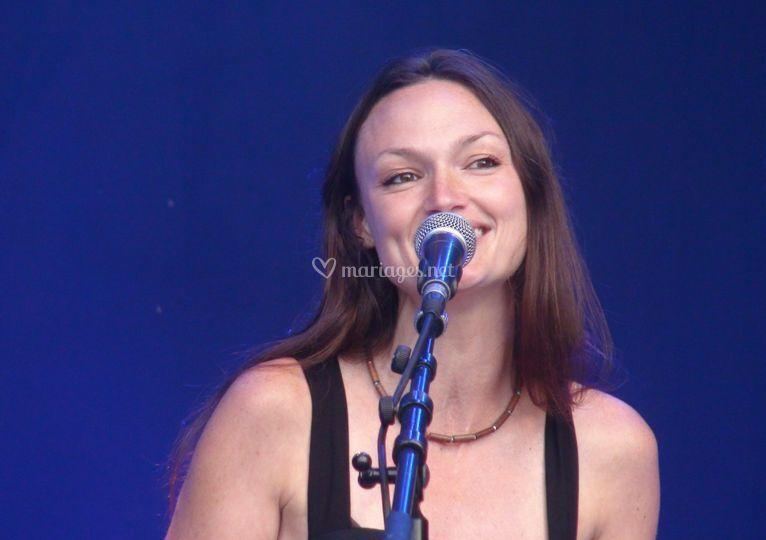 Aurélie au chant