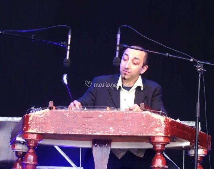 Sorin au cymbalum