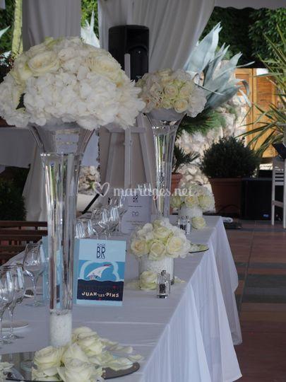 Table d'honneur avec vase haut