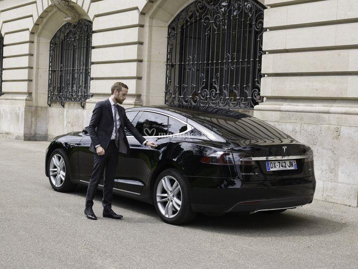 Tesla Model S (chauffeur)