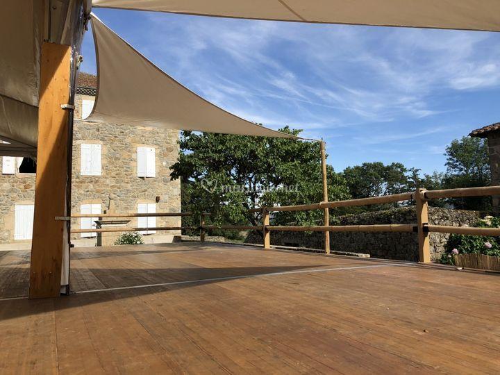 Terrasse avec balustrade