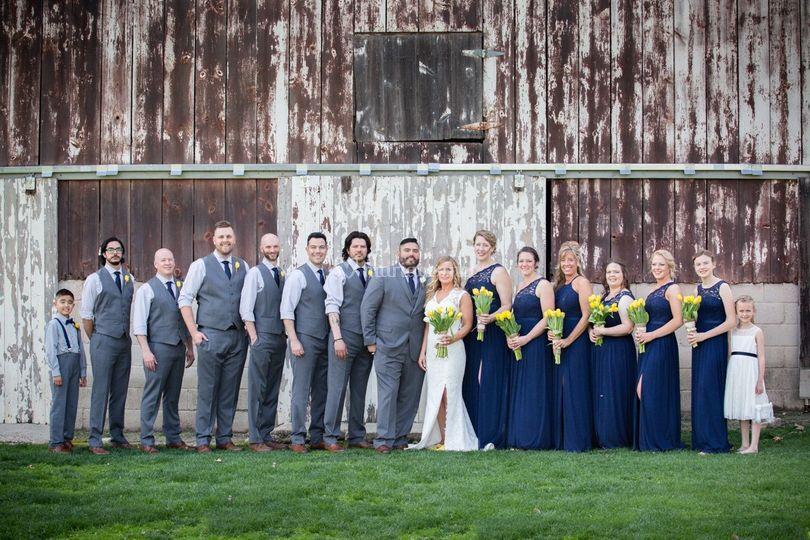 Les mariés et les amis