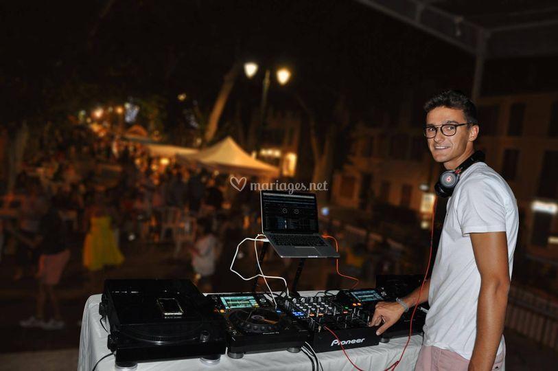 Open Format DJ AMAXXY