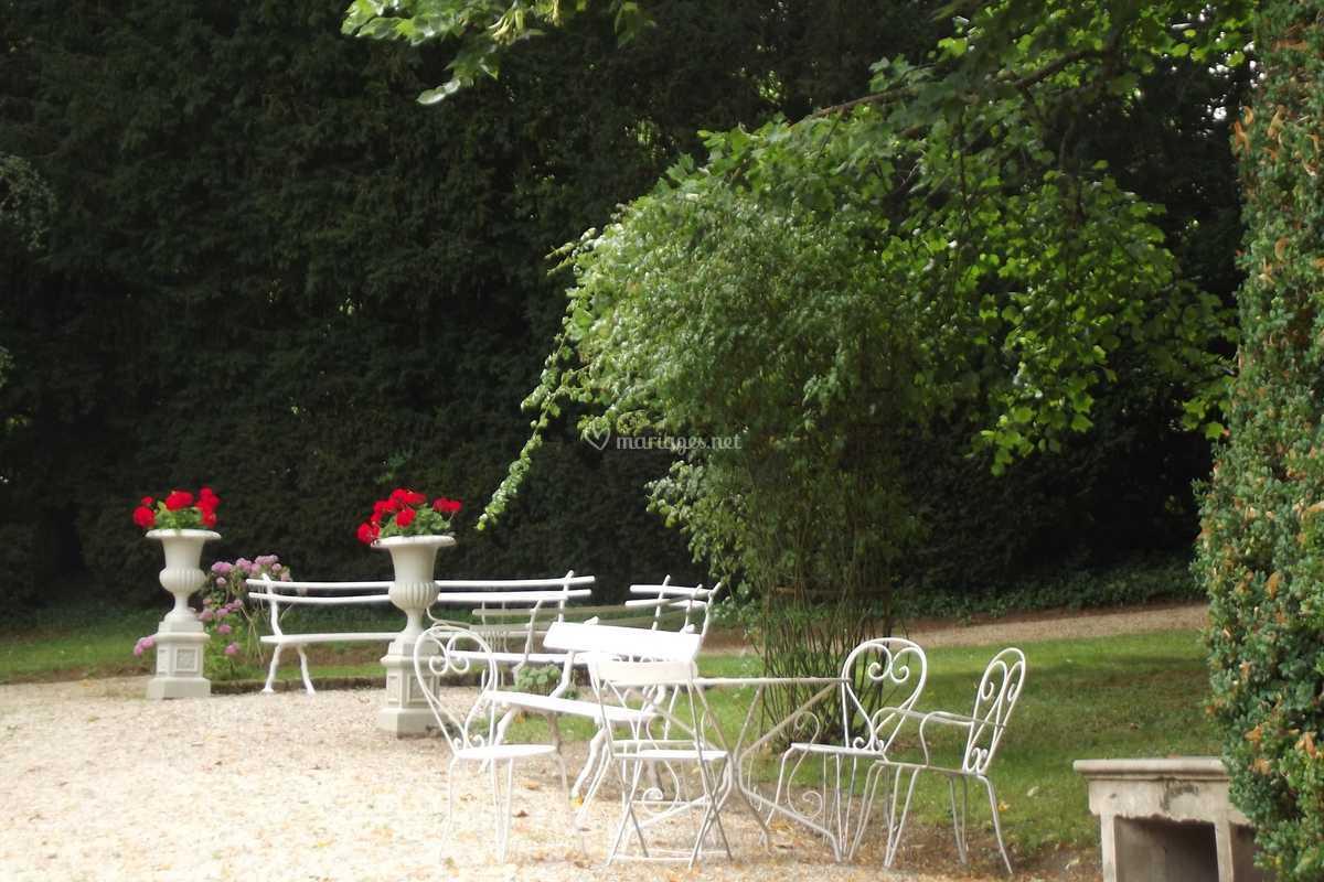 Mobilier De Jardin Alpes Maritimes mobilier au jardin de château de pierry | photo 26