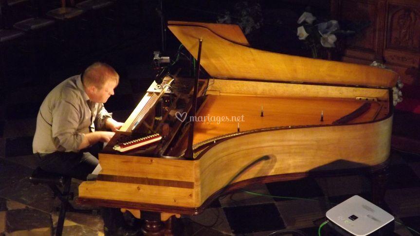 Jean-Bernard Dagbert, piano