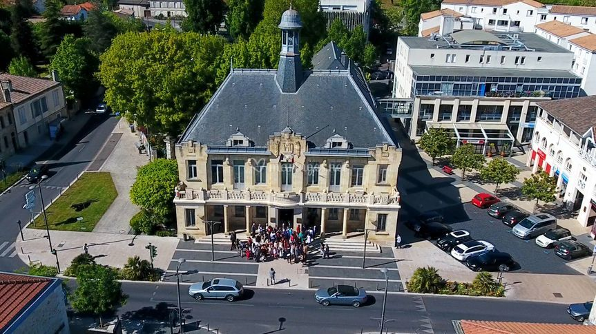 La mairie vue par drone