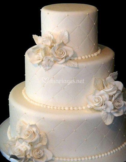 Wedding cake tout blant