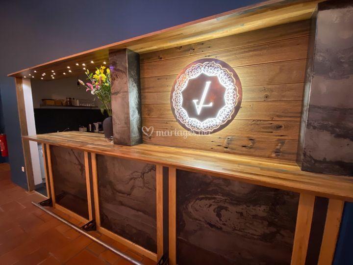 Le bar équipé