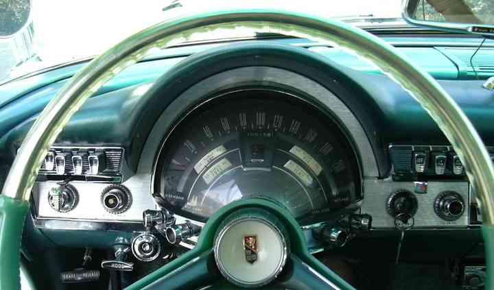 Chrysler New Yorker Tableau bo