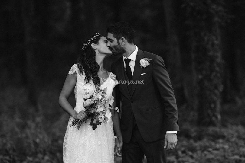 Couple forêt noir et blanc