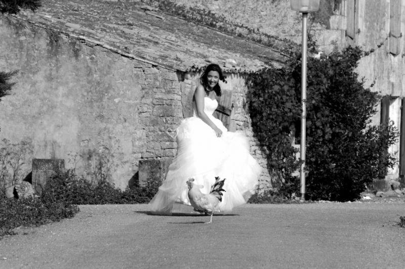 La mariée et la poule