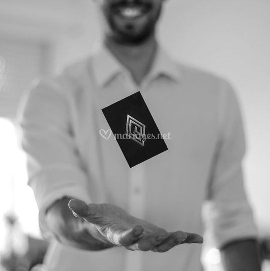 Flying Card