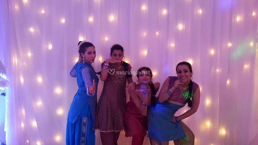 Les danseuses Dhoom Zone
