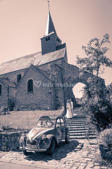 Au pied de l'église