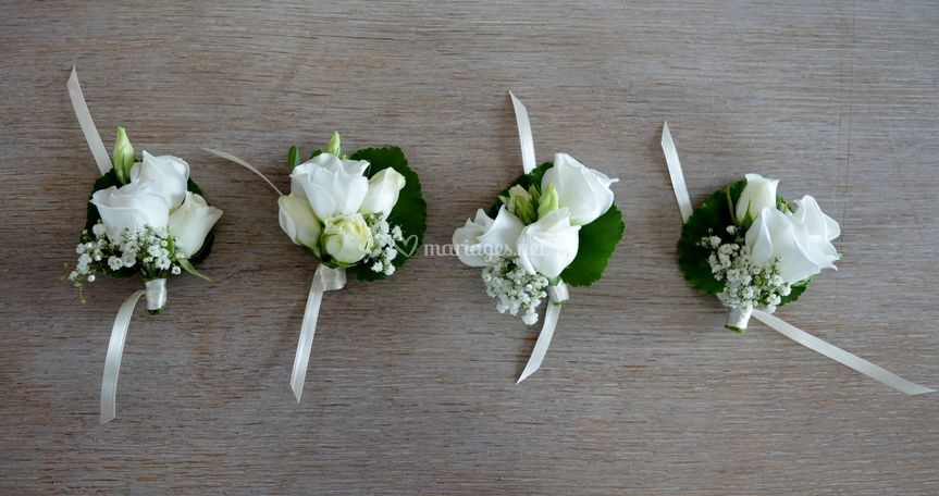 Broche fleurs boutonnière dame