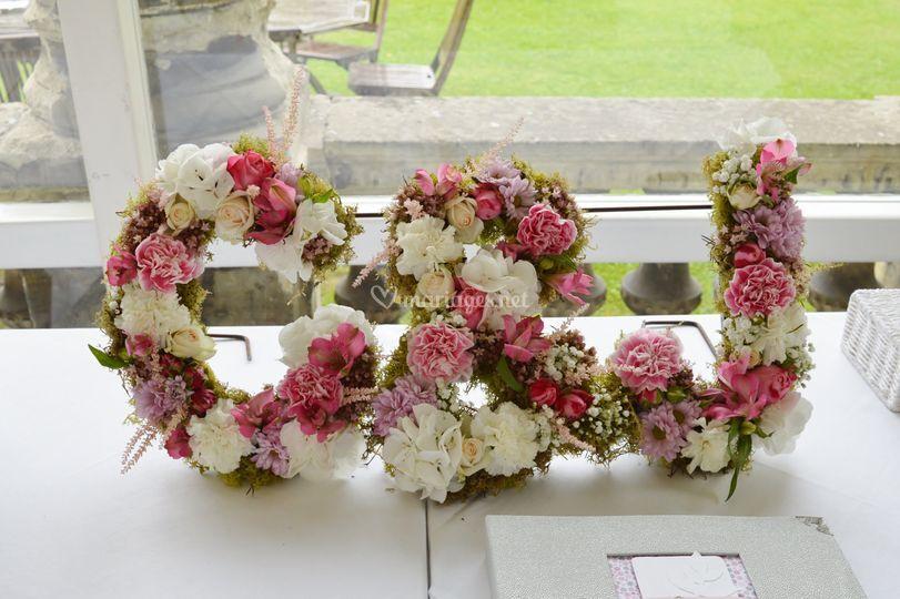 Mariage lettres fleurs