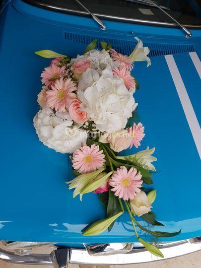 Décoration fleurs voiture