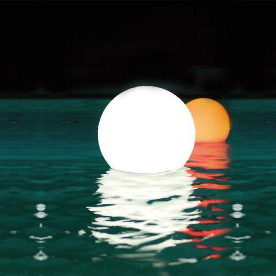 Boules flottantes de piscine