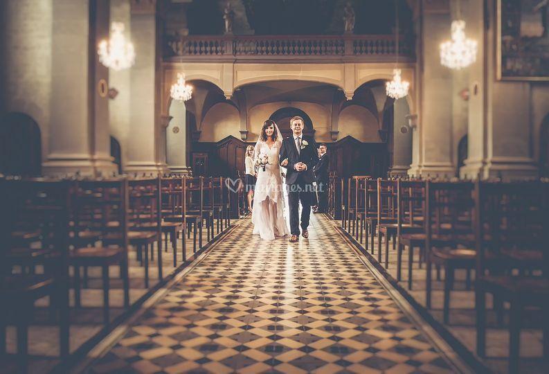 Arrivée en couple à l'église