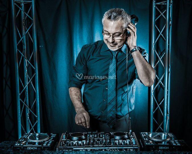 Philippe Day - DJ et Magicien