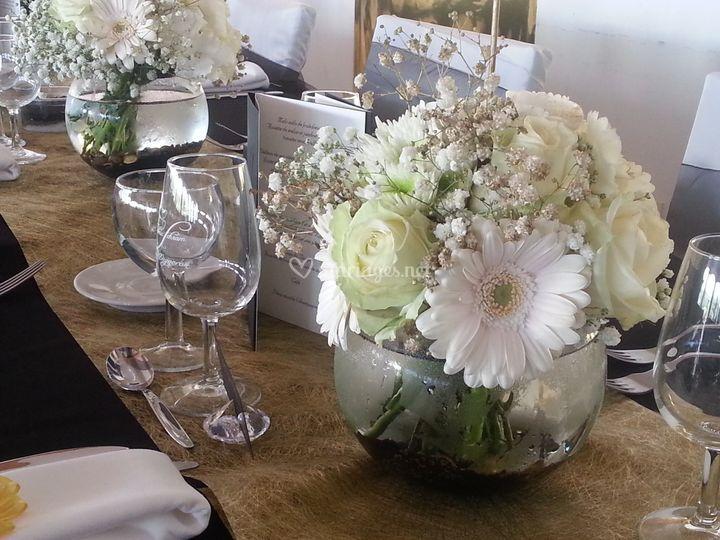 Centre de table blanc noir or