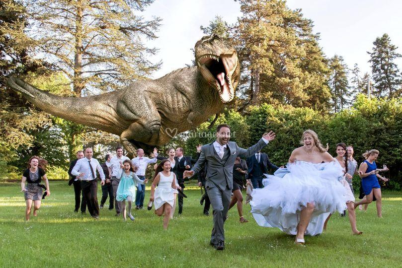 Attaque d'un dinosaure