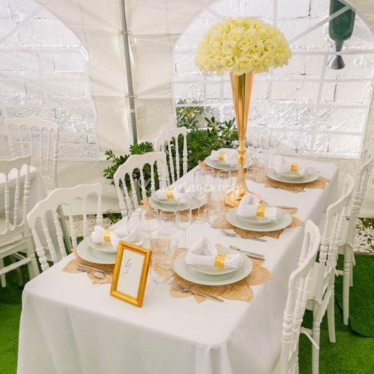 Table et chaises napoléon