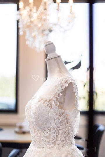 La robe de la mariée sur buste