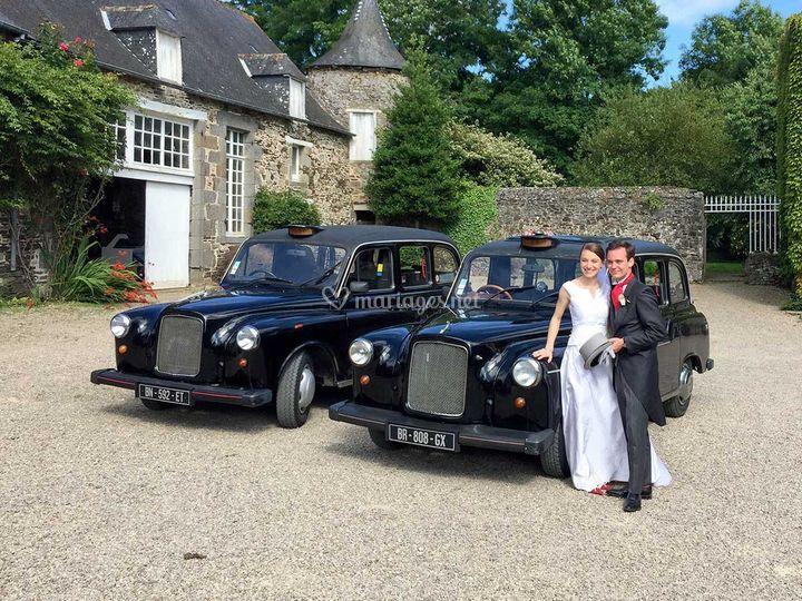 Deux taxis : mariés et famille