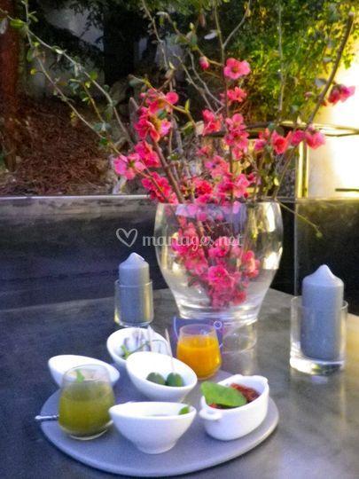 Table fleurie - extérieur