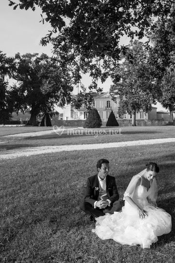Les mariés dans les jardins