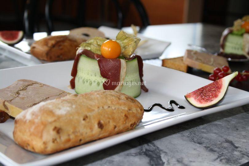 Bloc de foie gras et son pain aux figues