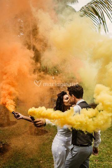 Mariés et fumigènes