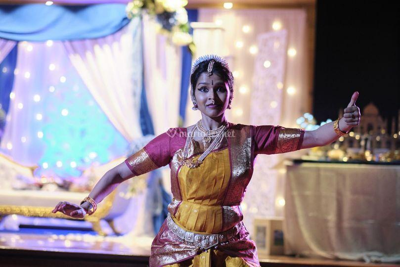 Show Bharata Natyam