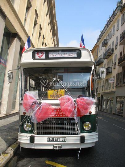 Bus AV 1