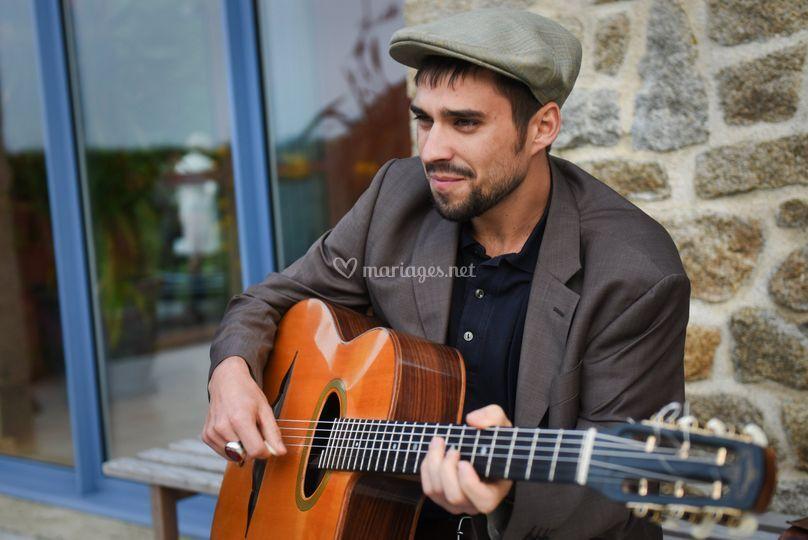 Léon, guitariste